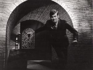 Graham-Kerr-Hallway-588