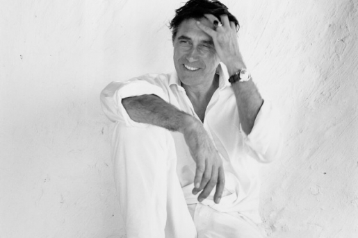 thumbs_bryan ferry all white