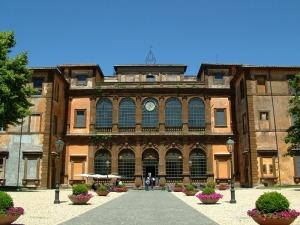 Villa_mondragone