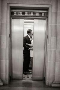 elevator-kiss2