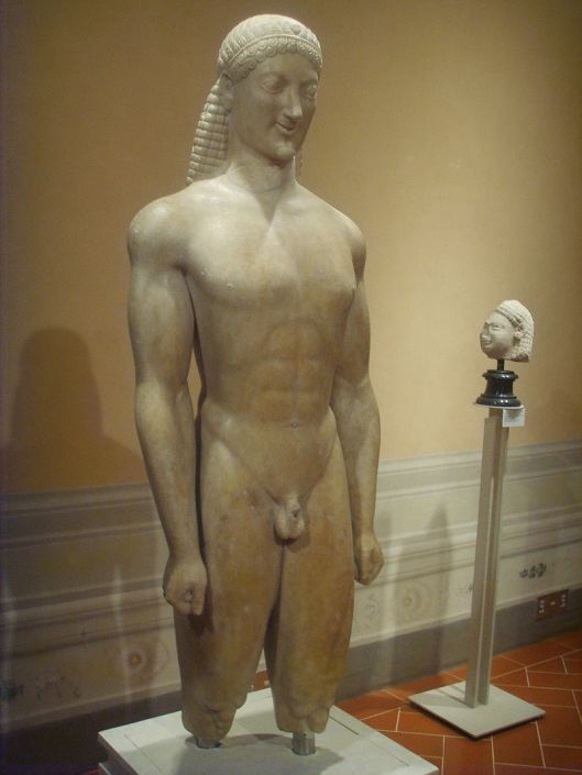 800px-Museo_archeologico_di_Firenze,_Kouros_di_Milani_530_a.c._2