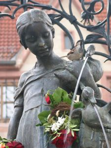 800px-Göttingen_Gänseliesel_closeup_April06