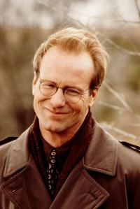 still-of-william-hurt-in-michael-(1996)