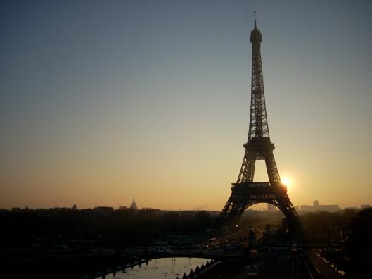 Eiffeltowerdawn